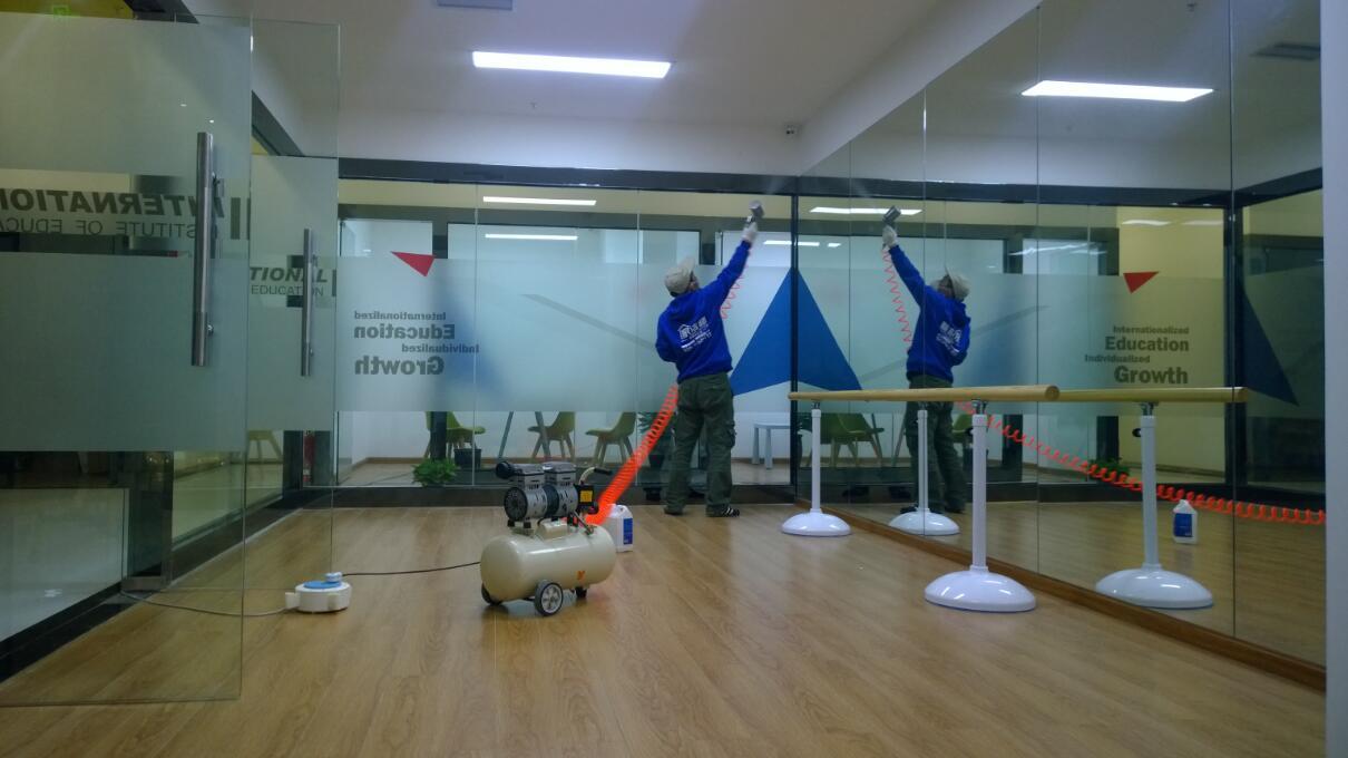 成都国际私塾12博bet官网球网治理施工展示